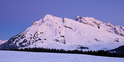 Photo of Merdassier and Etale mountains at dusk time in Aravis mountain range