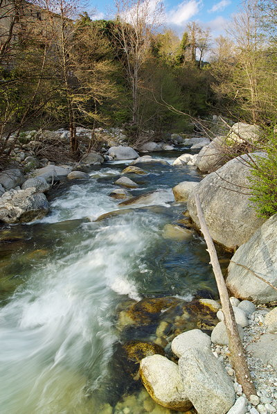 Running water in Abatesco river near Pietrapola i Bagni