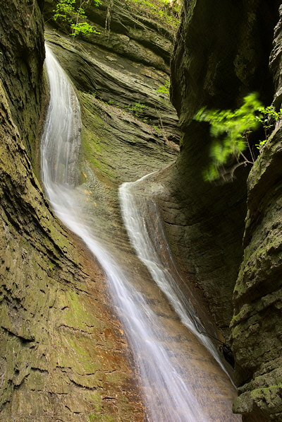 Photograph of a double waterfall in the canyon of Castran river