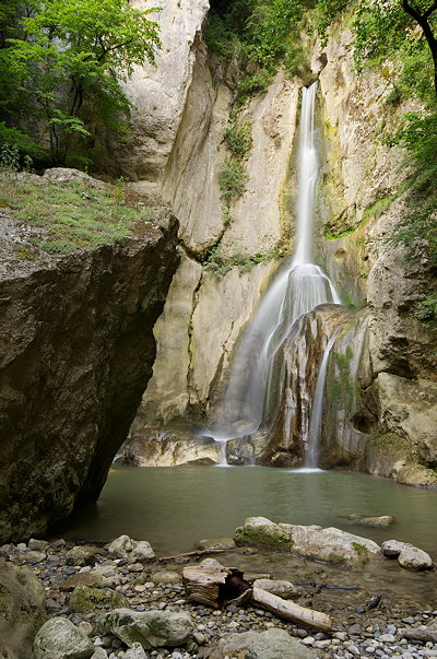 Vertical image of Barbennaz waterfall on Fornant river, France