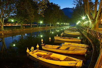 Annecy - Dawn over the Vasse channel