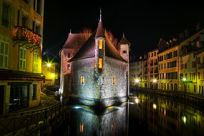 Annecy - Palais de l'Isle at night